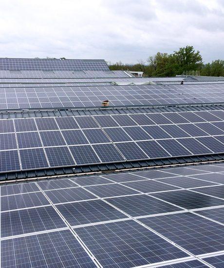 Toiture solaire et local onduleur
